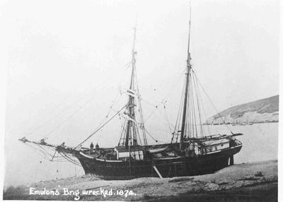 Ship wreck Emulous in Oamaru harbour