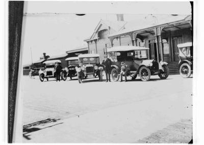 Taxis outside Railway Station, Humber Street. c.1925.