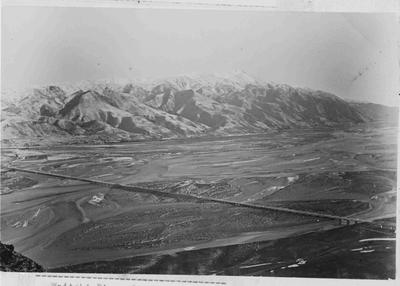 Waitaki River from Kurow Hill (1898?), Hakataramea Bridge.