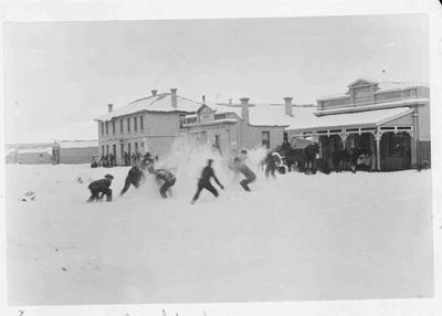 Snow Fight, Kurow 1899