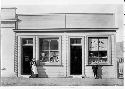 Kurow Shop 1898, F Chase, Watchmaker