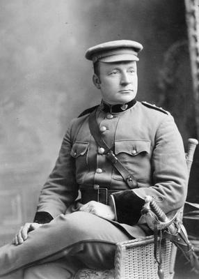 Capt C B Morris