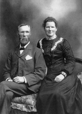 James and Lizzie McGimpsey, c. 1900.