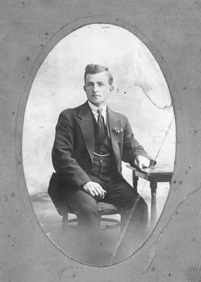 Frederick Walter Lowen, born Palmerston 9/6/1896