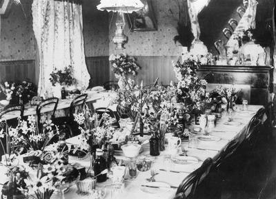 Table ready for lunch before Kurow races c. 1900