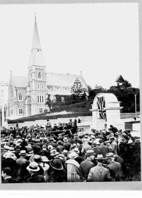Jones Memorial Arch, unveiling ceremony 28 November, 1922.