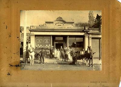 Staff of Milligan and Bond, Tees Street, c. 1914