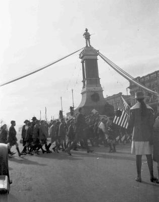 Peace celebrations, near Troopers' Memorial Thames Street, Oamaru
