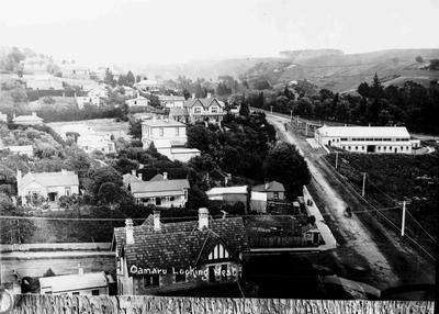 Oamaru view west on Itchen Street