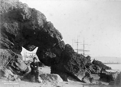 Natural archway, Oamaru Harbour; Burton Brothers Photographers (estab. 1871, closed 1871); 1811P