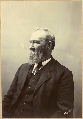 Mr Harry Urquhart