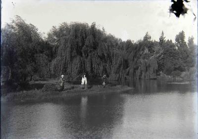 Unidentified women at Elderslie Estate lake