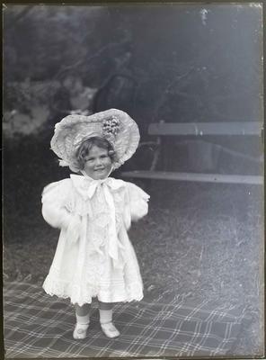 Elderslie Estate. Child portrait female