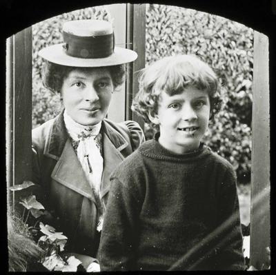 Annie McMaster (nee Reid) and Ailsa Jack Humphreys (Jack) McMaster