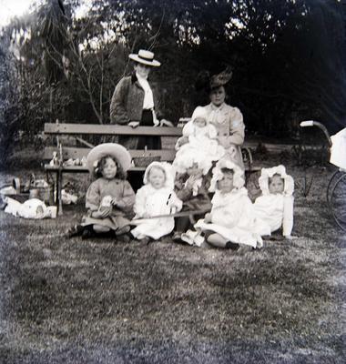 Women and children unidentified