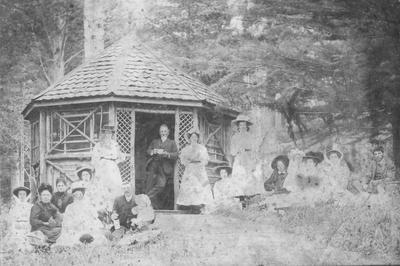Elderslie Estate Summer House