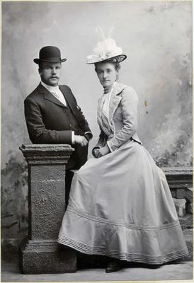 Portrait of man and woman, unidentified; Wrigglesworth & Binns; 2019/160.13