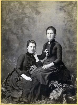 Women's portrait, unidentified; Rutherford and Co; 2019/160.17
