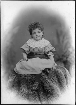 Child's portrait, unidentified; Mahan, R; 2019/160.18