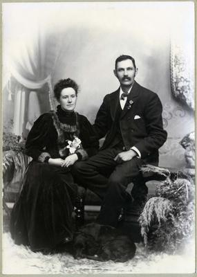 Portrait of man and woman, unidentified; Photographer: R Mahan; 2019/160.20