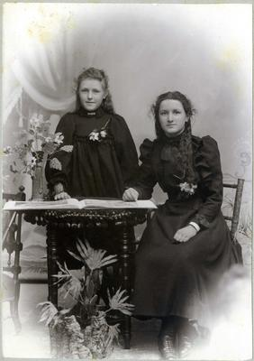 Portrait of two women, unidentified