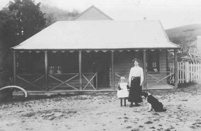 First Otepopo Hotel. Winifred Diehl (youngest daughter of Ernst Frederick) with niece and old family dog