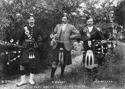 Waitaki Gaelic Society Pipers