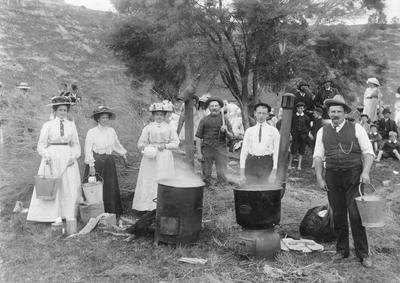 Picnic, Glencoe Domain Herbert, c.1912