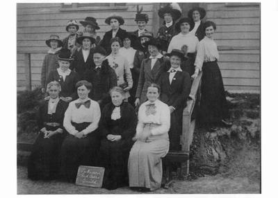 Pukeuri Red Cross Guild, 1916.