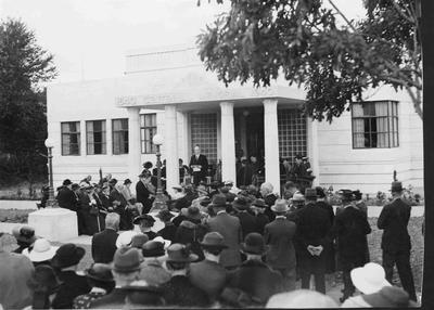 Opening day Centennial Hall, Severn Street, 1941