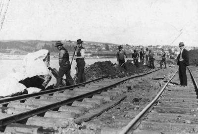Group of men working on the railway in Oamaru, North Otago