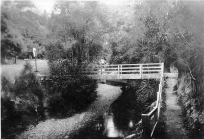 Trotters Gorge, 1937
