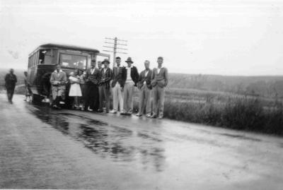 Post Office Picnic, 1938. '[T]he bus that broke down'.