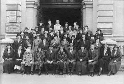 Women's Division of Farmers' Union, young person's trip to Oamaru