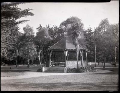 Band Rotunda, Oamaru Public Gardens