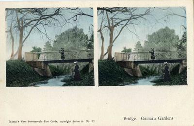 Bridge. Oamaru Gardens