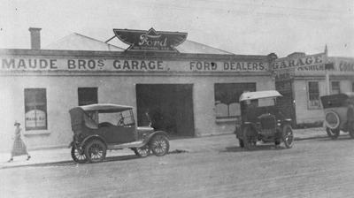 Maudes Garage, Ford dealer