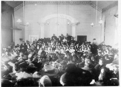 Congregation in Baptist Church, Severn Street, about 1900