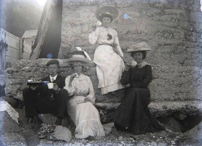 Picnic. People unidentified