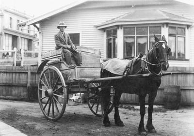 Horace Symon on Foster's Hygienic Bakery horse-drawn cart, Tyne Street.