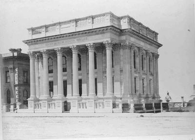 Bank of New South Wales (Forrester Gallery], Thames Street, Oamaru