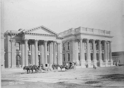 Bank of Otago, Bank of New South Wales and Hansom Cabs