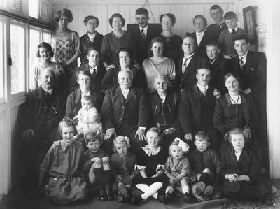 Family and friends at Golden Wedding of William and Carrie [Celia] Jones, proprietors, Queen's Hotel, Oamaru.