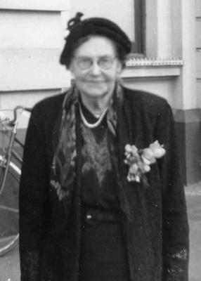 Mrs E J Cook