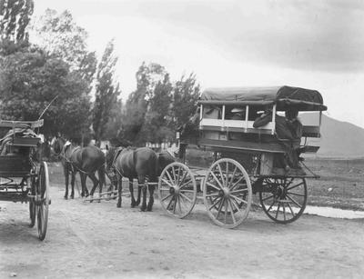 Mail Wagon Coach, Ngapara?; 3655P