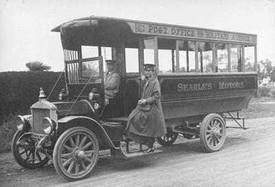 Searle's Motor Bus with Driver and Conductor.; 4008P