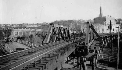 Railway in North Otago. Humber street Railway bridge
