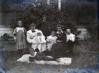 Family. Unidentified