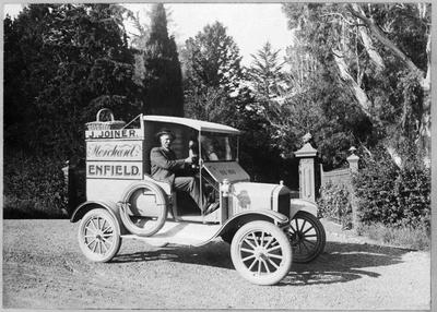 J Joiner's Delivery Van, Enfield, North Otago