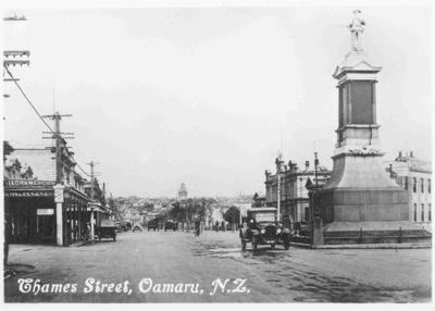 Thames Street, Oamaru, N.Z. Troopers Memorial